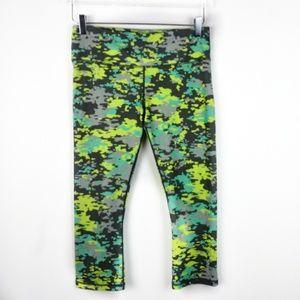 Reebok 3/4 capri workout pants green camo